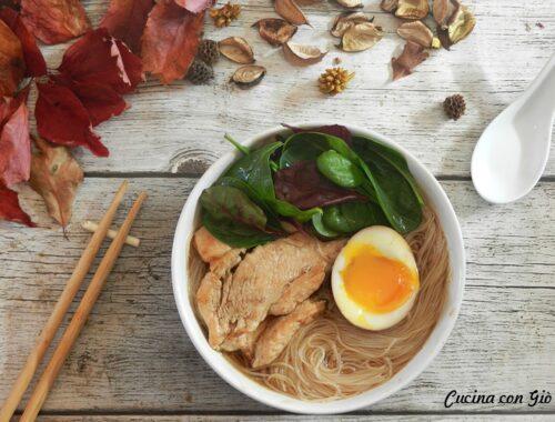 Ramen pollo e spinaci